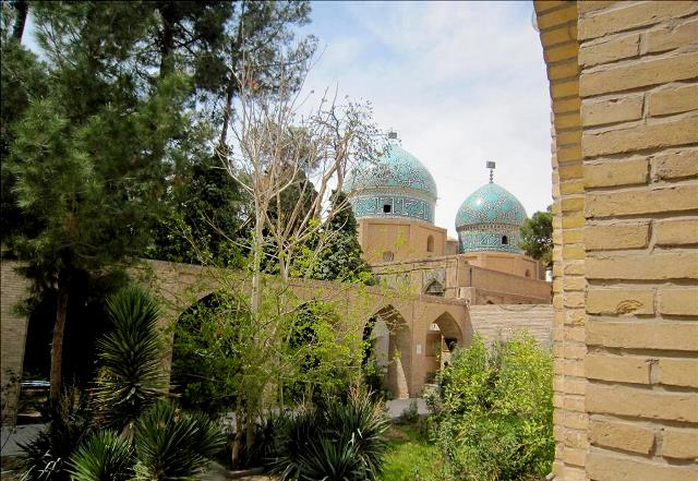 آرامگاه مشتاقیه کرمان